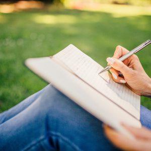 לימודי כתיבה יוצרת, קורס כתיבה יצירתית טיפולית, קורס כתיבה טיפולית, קורס ביבליותרפיה, קורס כתיבה יוצרת, לימודי ביבליותרפיה